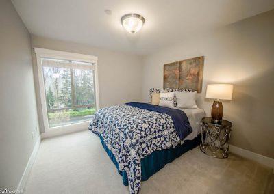 Guest Bedroom (1 of 4)