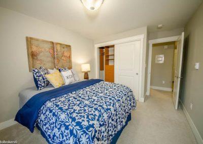 Guest Bedroom (2 of 4)